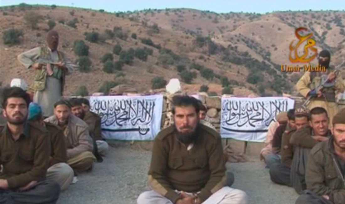 De 15 pakistanska soldaterna hade utsatts för ett bakhåll.
