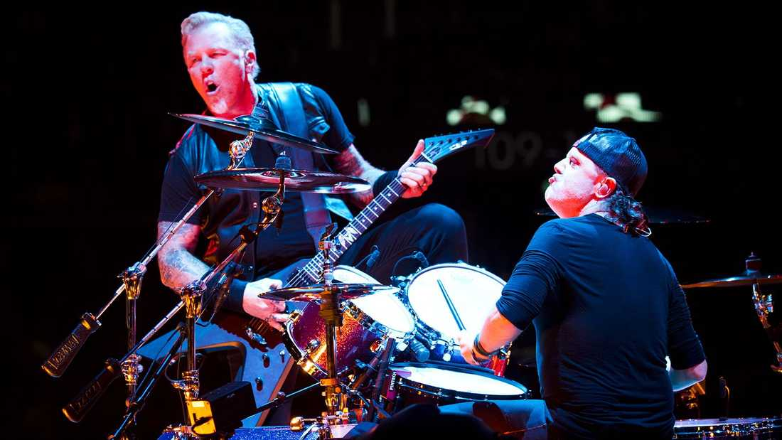Metallica under en av sina Sverigespelningar.