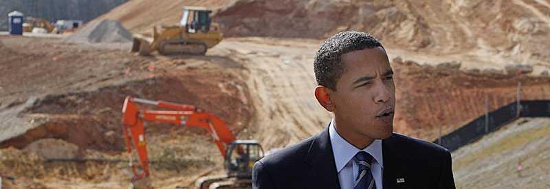 Obama talade under torsdagen med medierna direkt från en byggarbetsplats, för att belysa de arbetstillfällen han vill skapa med stimulanspaketet.