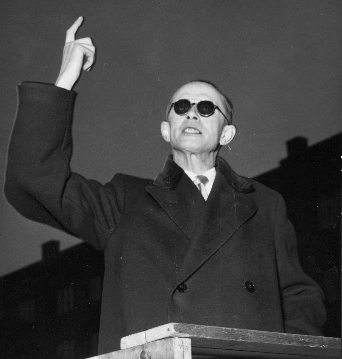 Den svenske fascisten Per Engdahl.