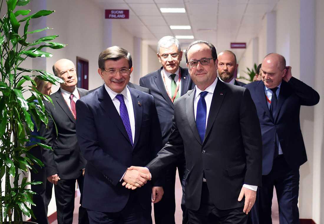 Ahmet Davutoglu och Francois Hollande.