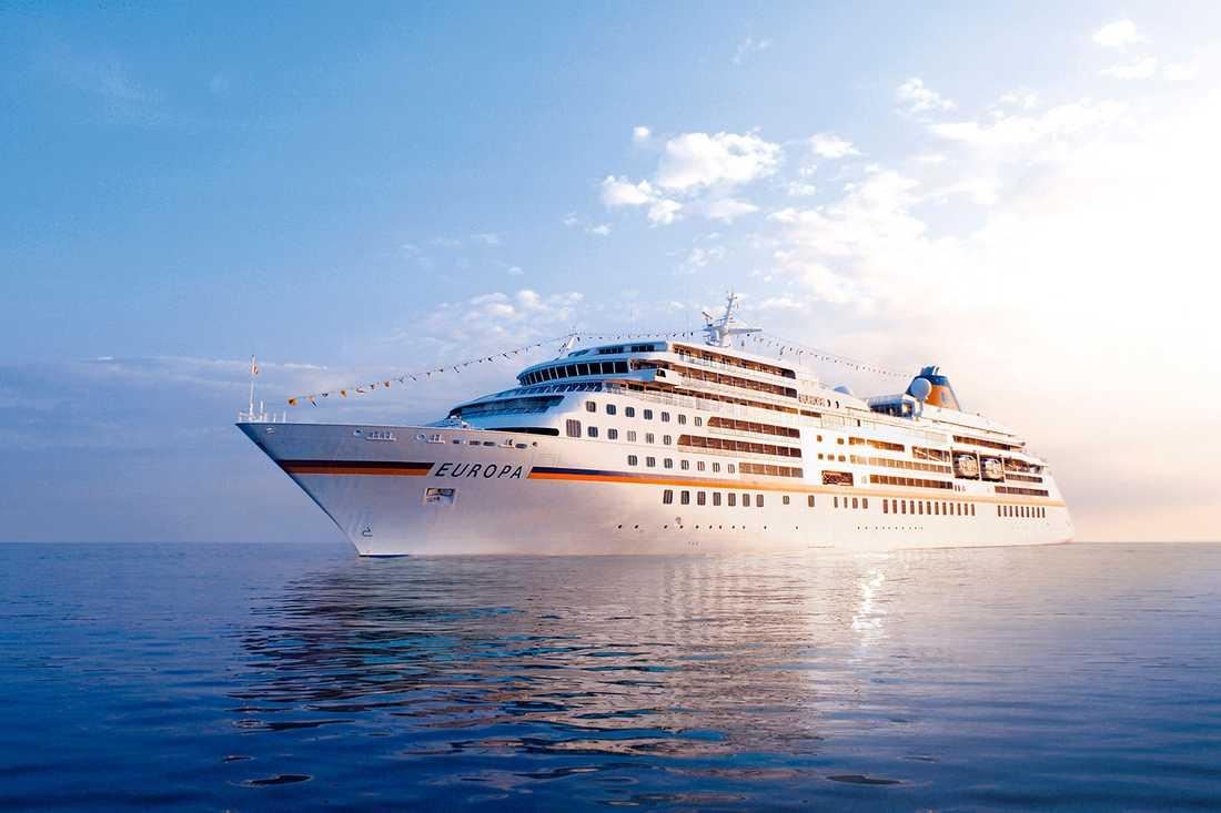 2. EUROPA (1851 poäng) Föregångaren till Europa 2 är snäppet mindre och tar bara ombord 408 gäster.