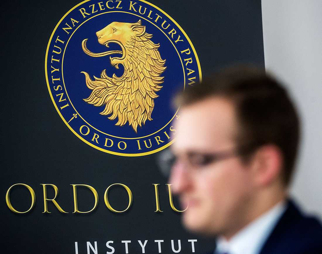 Ordo Iuris består av konservativa advokater som står för en strikt juridisk tolkning av grundlagen.