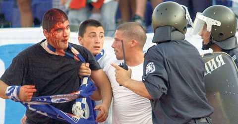 I våras utbröt oroligheter på läktaren och kring arenan i Sofia när Levski mötte CSKA. Derbyt avbröts och 24 personer arresterades. Nu fruktar AIK att något liknande ska hända när laget spelar returen mot Levski.