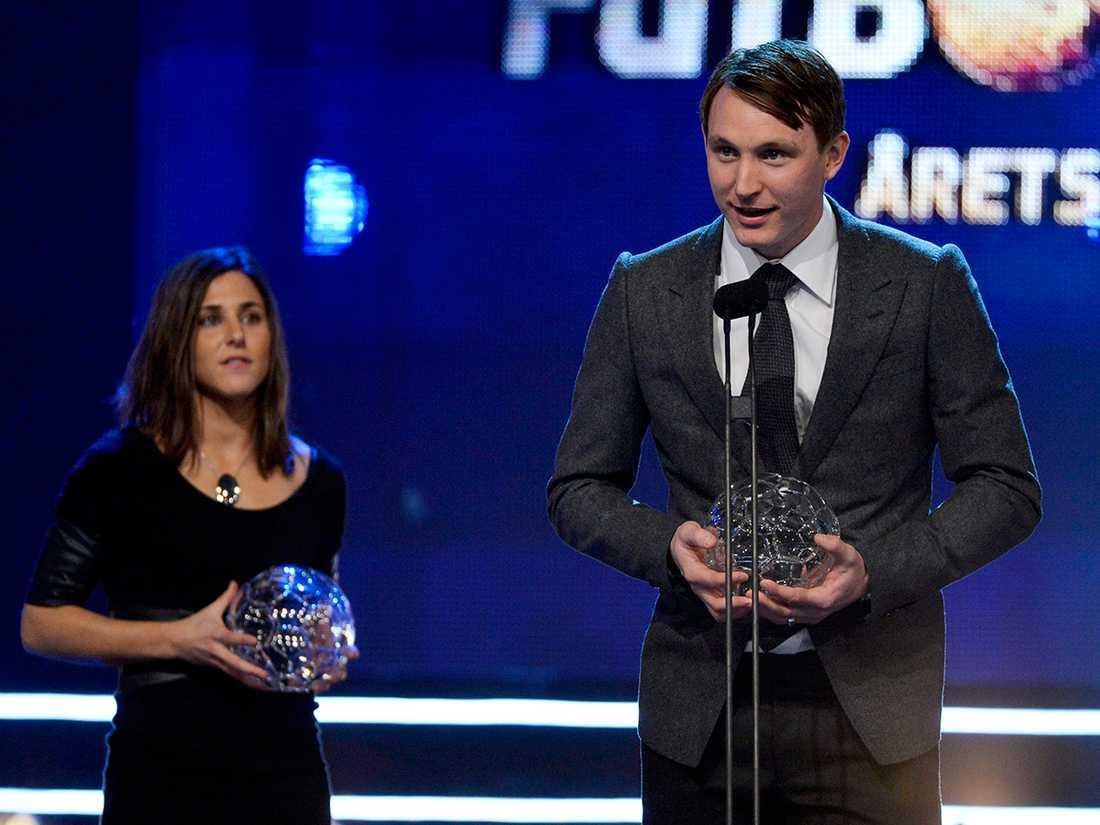 Kim Källström prisades som Årets Mittfältare under Fotbollsgalan 2012 i Globen. Foto: Claudio Bresciani/TT.