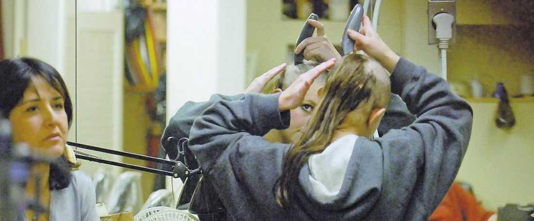Britney Spear rakade av sig håret. Andreas Carlsson träffade henne dagen innan.