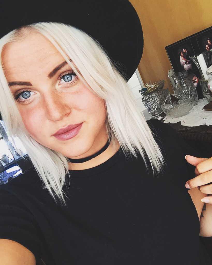 Johanna Carlsson, 22, sitter fast på Arlanda.