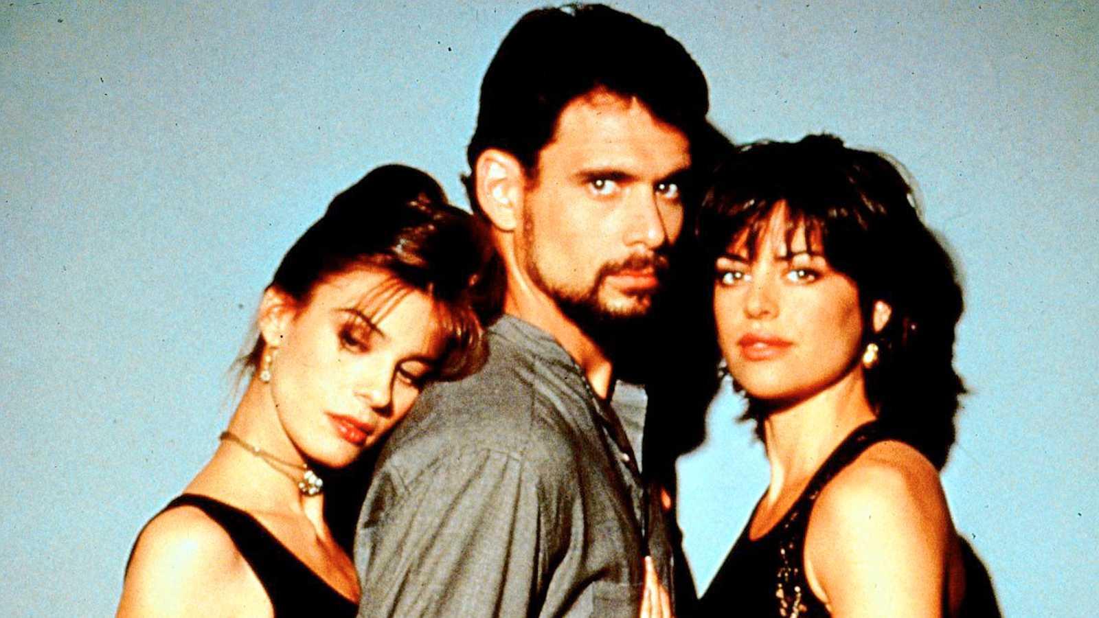 """Kristian Alfonso, Robert Kelker-Kelly och Lisa Rinna i """"Våra bästa år"""" 1992."""