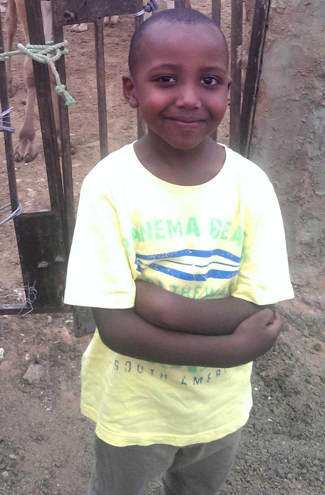 Yuusuf Warsame blev bara 8. Han dog när någon kastade in en handgranat i lägenheten han besökte med sin mamma och två syskon.