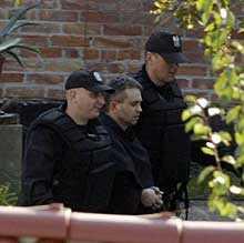 FLYKTING – och kanske pappa. Flera av nunnorna var gravida och en hade ett litet barn. Polisen hittade flera män från Vitryssland och Ryssland inne i klostret. Samtliga levde illegalt i Polen.