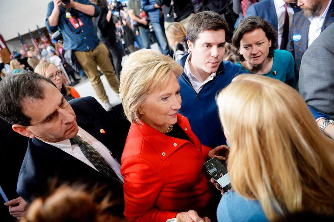 Här intervjuar Aftonbladets Carina Bergfeldt presidentkandidaten Hillary Clinton.