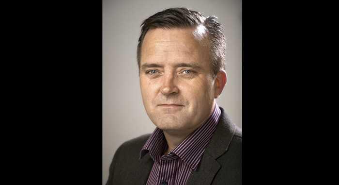 Jan Olsson, bedrägerisamordnare hos polisen, varnar nu allmänheten för smsen.