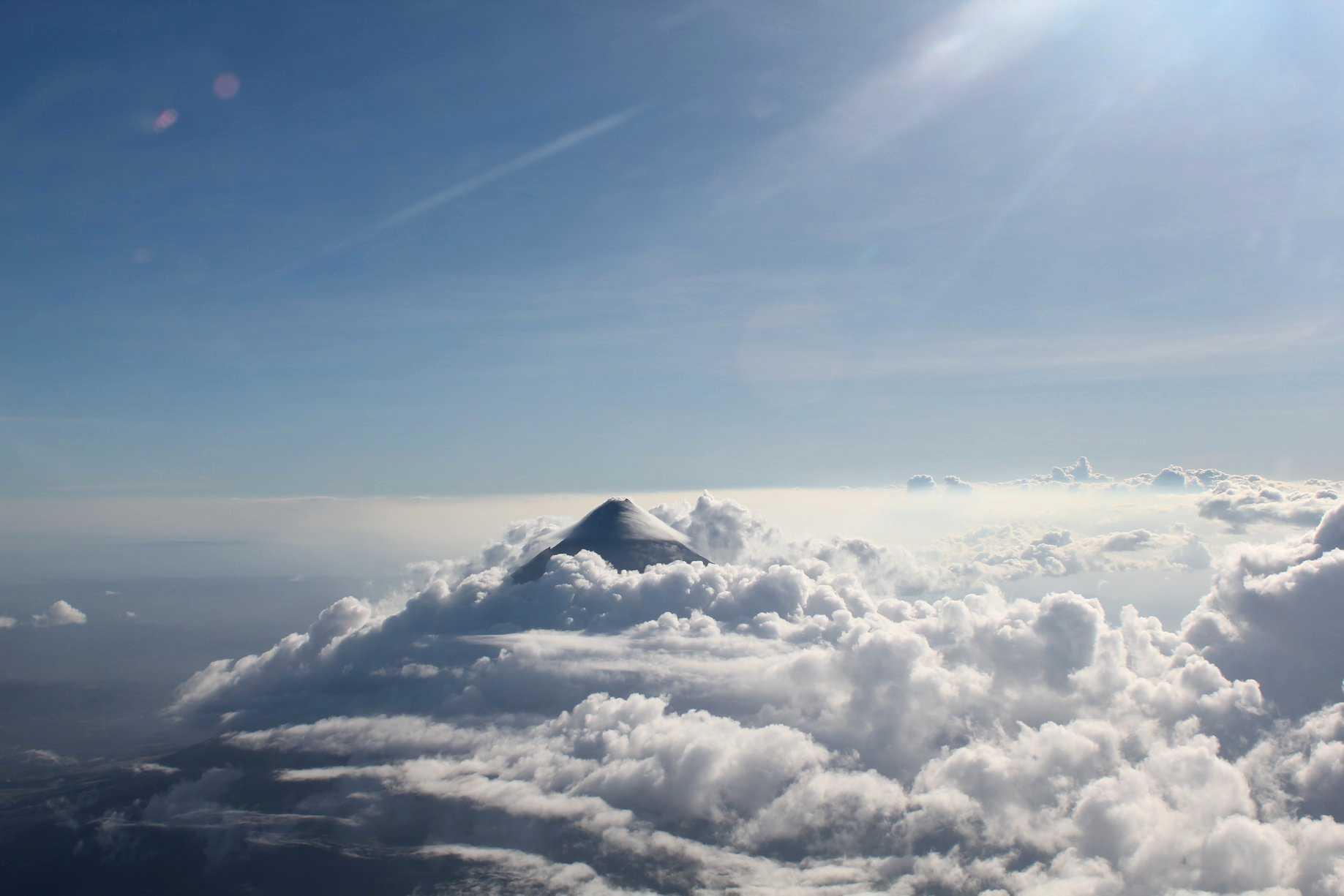 Den som inte vill sola och bada kan besöka vulkaner som denna: Mayon Volcano, Legazpi