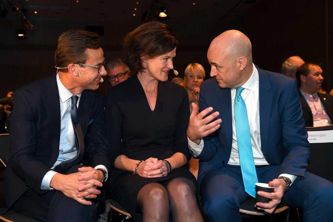 Ulf Kristersson, Anna Kinberg Batra och Fredrik Reinfeldt på moderatstämman.