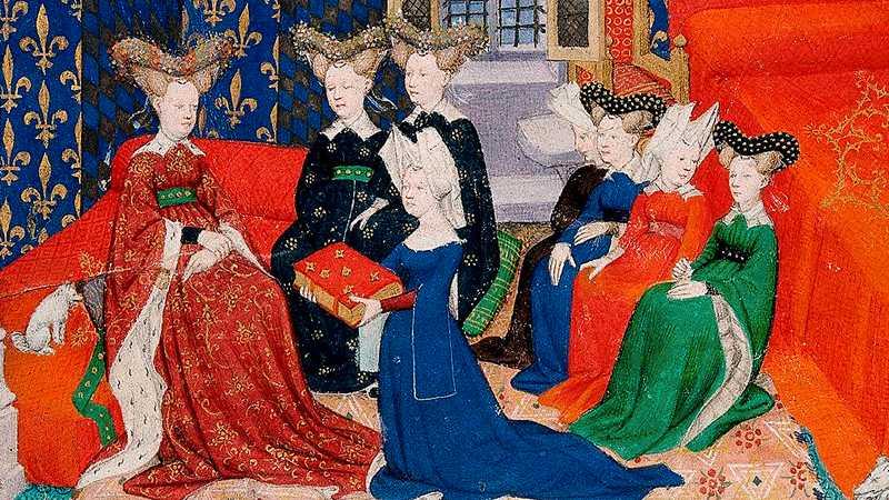 """Christine de Pizan var en lärd kvinna som var verksam under senmedeltiden. Hon skrev bland annat boken """"Kvinnostaden"""". Detta är en illustration som visar när Christine de Pizan lägger fram sina debattskrifter."""