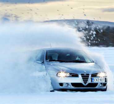 VINTERDÄCKEN TESTAS Aftonbladet och de andra tidningarna blev lurade av däckjätten Continental vid årets test. Testerna är värda miljoner för tillverkarna.
