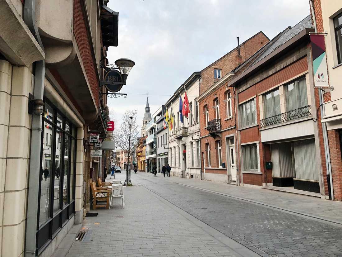 Belgiska småstaden Puurs, med 17000 invånare, har fått stor uppmärksamhet för den kommande produktionen av covid-19-vaccin.
