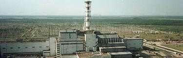 SARKOFAG I BETONG Reaktor nr 4 i Tjernobyl exploderade i april 1986. Stora delar av Sverige drabbades av radioaktivt nedfall. Kärnkraftverket stängdes helt helt år 2000.