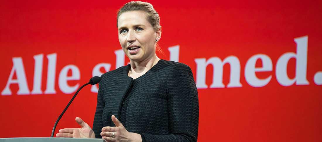 """Mette Fredriksens socialdemokratiska regering driver nu en politik där långtidsarbetslösa med ursprung i andra länder ska kallas till samtal om att åka """"hem"""" –även om de bott decennier i Danmark."""