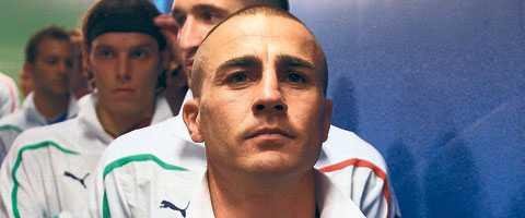 Den italienske lagkaptenen Fabio Cannavaro är ifrågasatt av hela sitt land  inför eftermiddagens match mot Slovakien 60fe0c2ca9d33