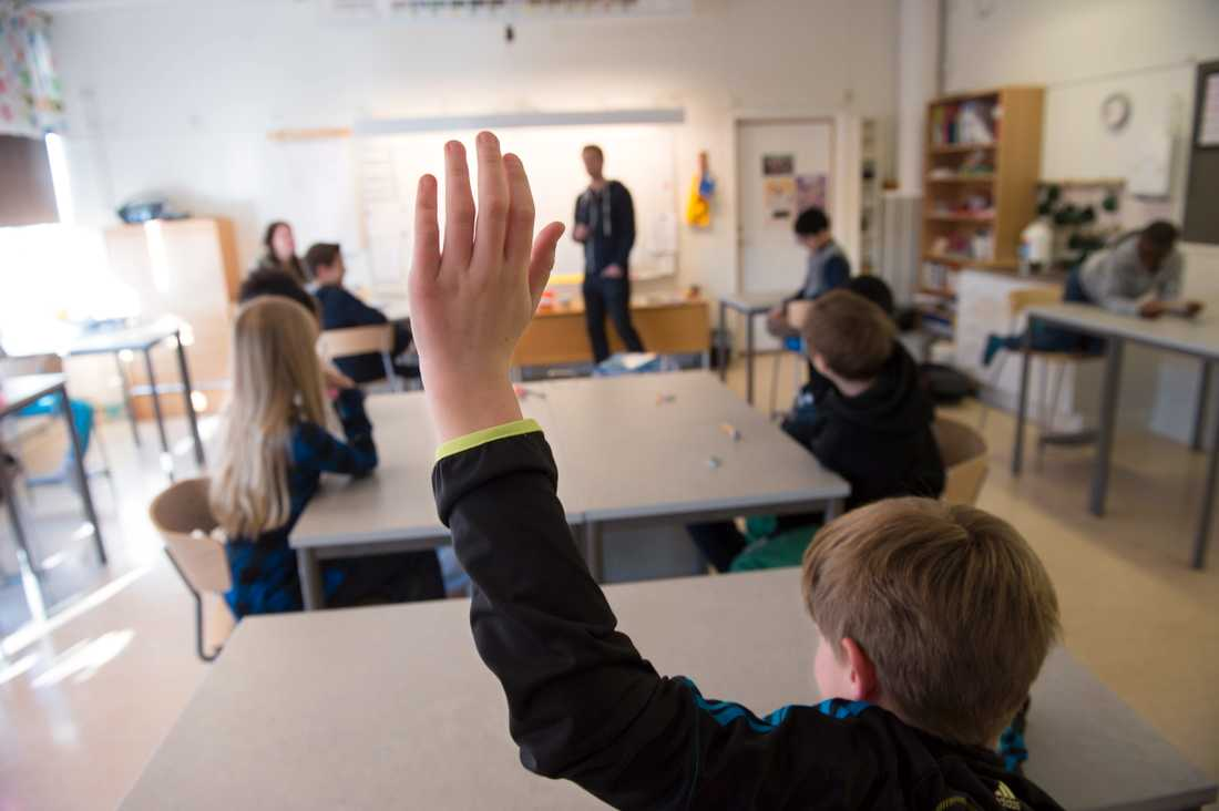 Lärarnas riksförbund tycker att lärare i riskgrupper ska få vara hemma från jobbet med statligt stöd. Arkivbild.