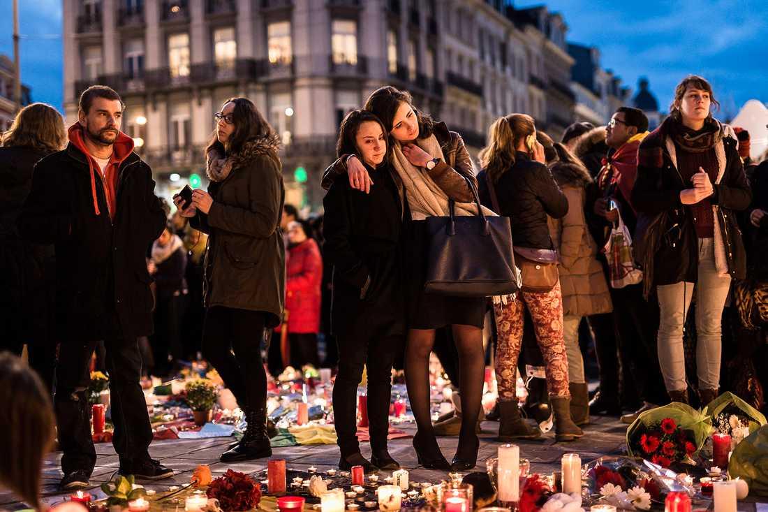 Sorg i Bryssel dagen efter attentaten.