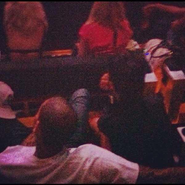 Chris Brown och Rihanna på Jay-Z-konsert ganska nyligen.