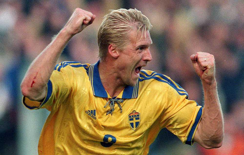 Johan Mjällby i svenska landslaget.