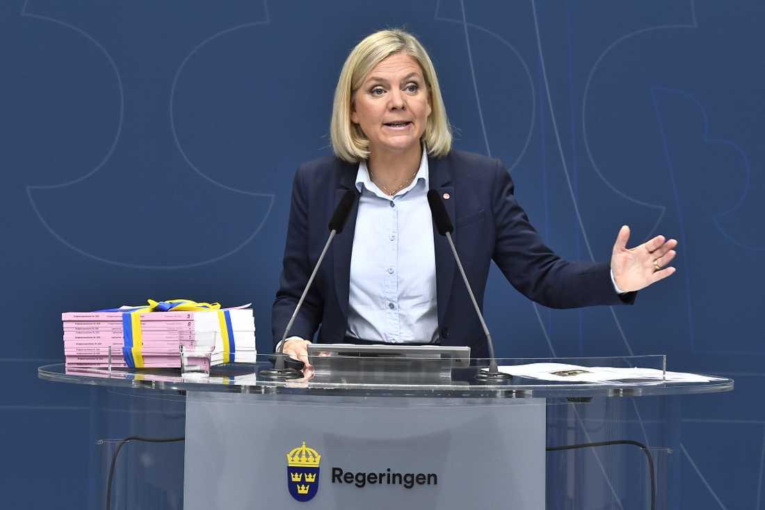 Finansminister Magdalena Andersson (S) reagerar starkt på de tre partiernas utspel. Arkivbild.