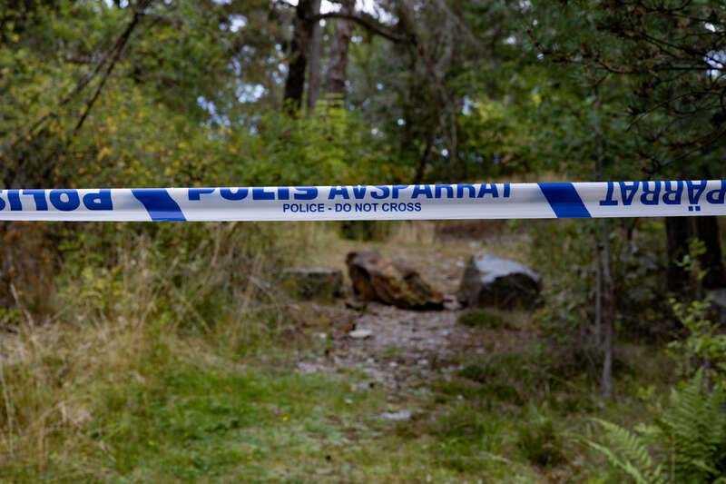 I söndags hittades två skadade pojkar vid kyrkogården Norra begravningsplatsen i Solna norr om Stockholm. De var offer för flera timmar av tortyr.