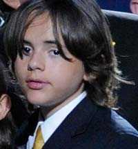 Äldste sonen Prince Michael bevittnade Michaels återupplivningsförsök.