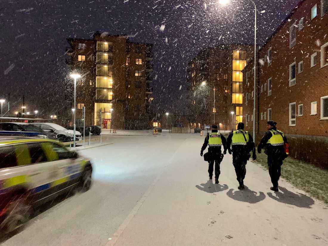Polisen på plats i Örebro.