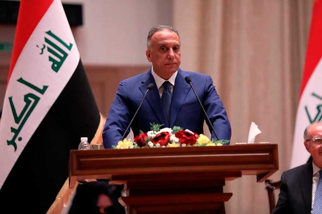 Mustafa al-Kadhimi tar över som premiärminister i Irak.