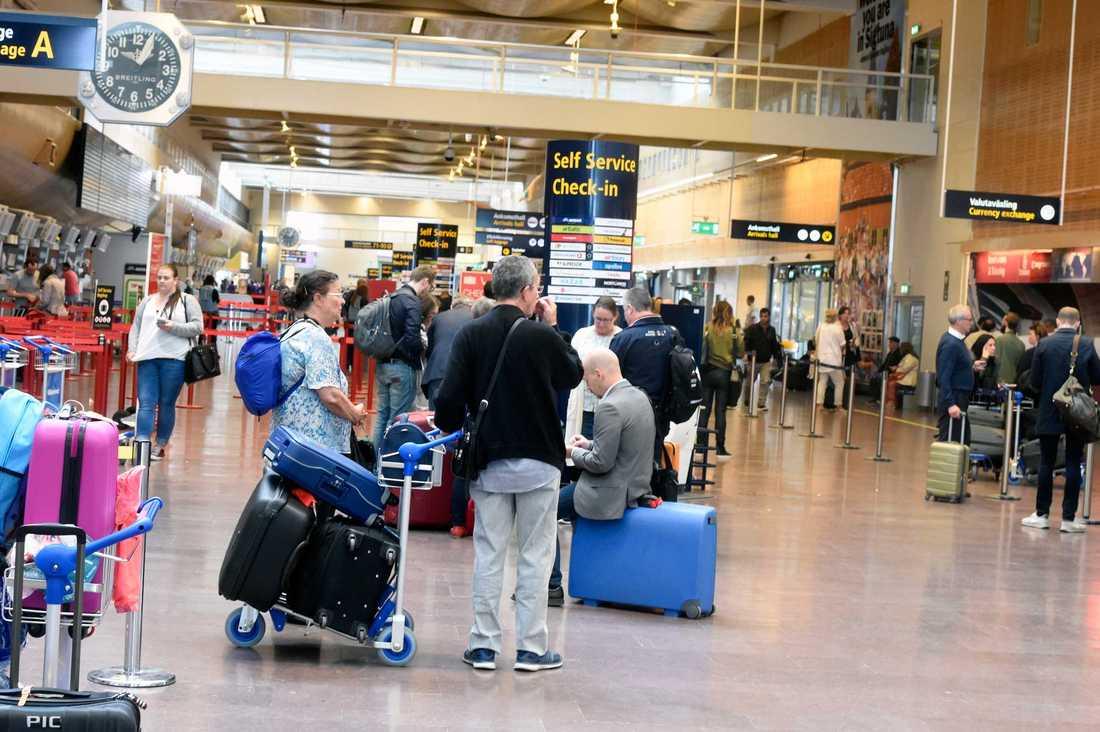 Resenärer på Arlanda.