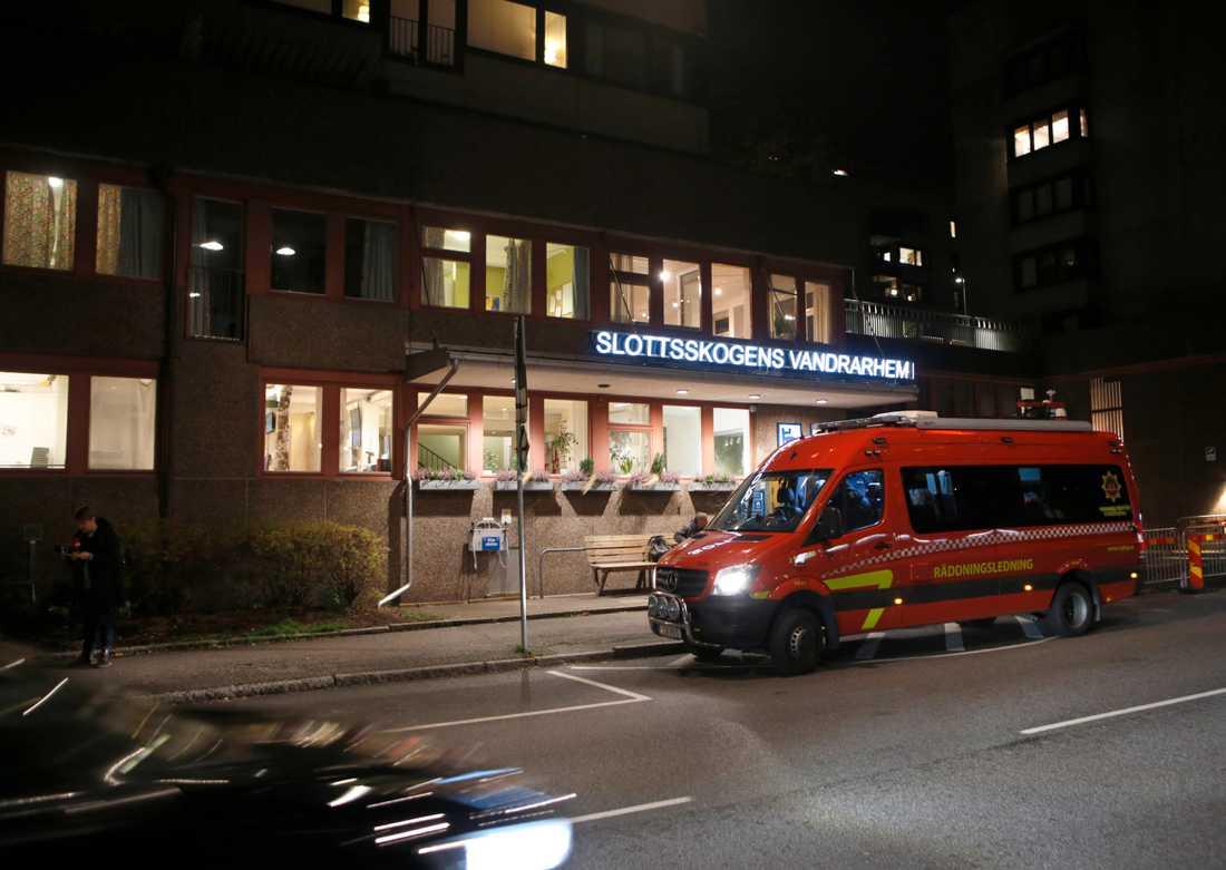 Den kvinna som hittades död på ett vandrarhem i Göteborg har nu identifierats.
