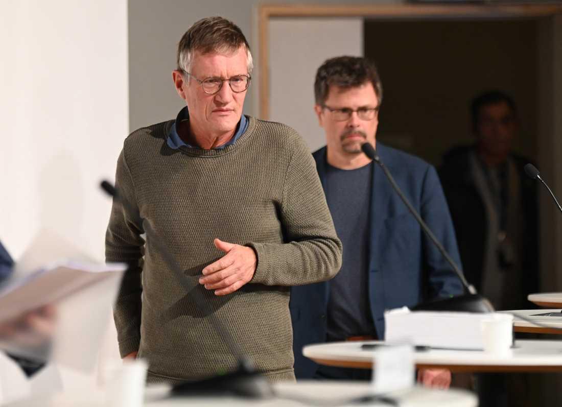 Anders Tegnell, FHM, och Svante Werger, MSB, under en pressträff om coronaviruset.