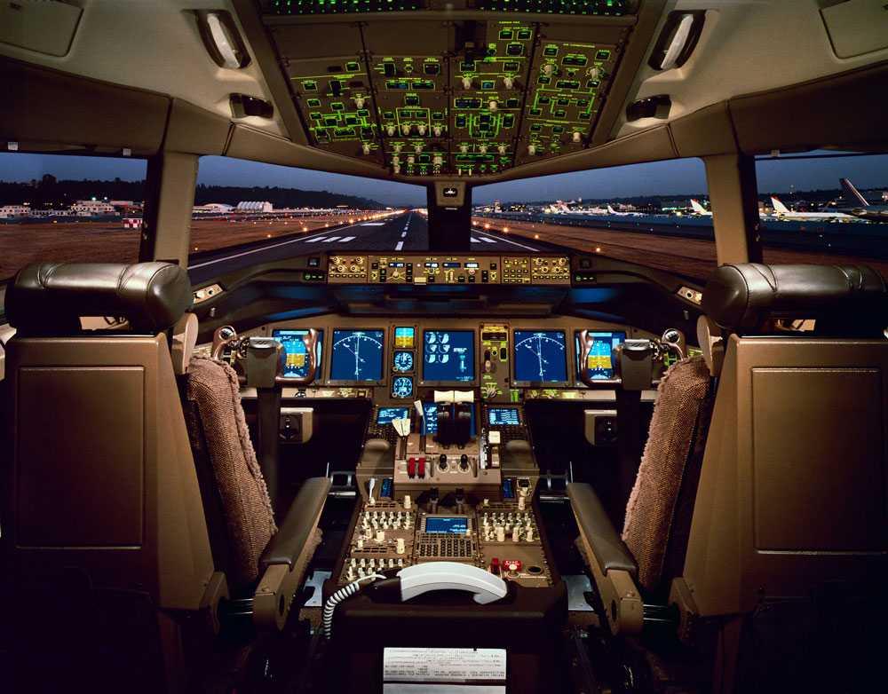 I cockpit på en Boeing 777, samma flygplanstyp som har försvann.