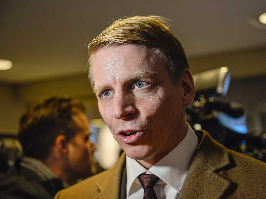 """""""Det är tydligt att det finns en viss osäkerhet och det tar vi så klart på största allvar"""", säger finansmarknadsminister Per Bolund (MP)."""