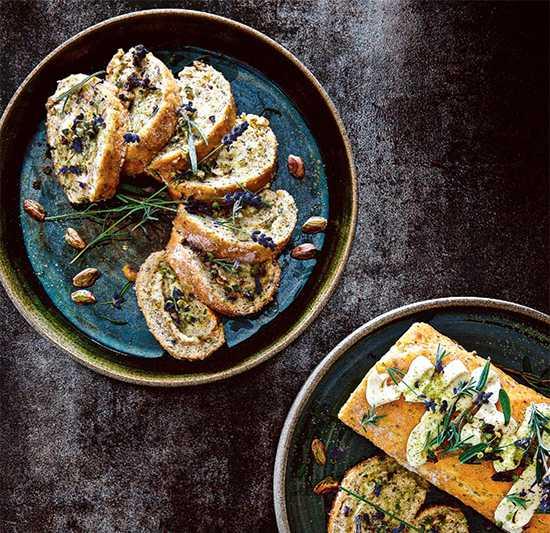 Rulltårta de luxe - vacker med med fräscha smaker.