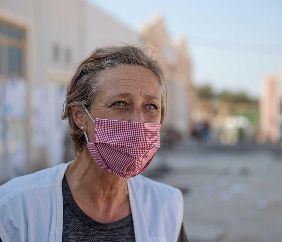 Danska Kamma Skaarup, 49, är medicinskt ansvarig för Läkare utan gränser på Lesbos och öns kanske mest upptagna kvinna.