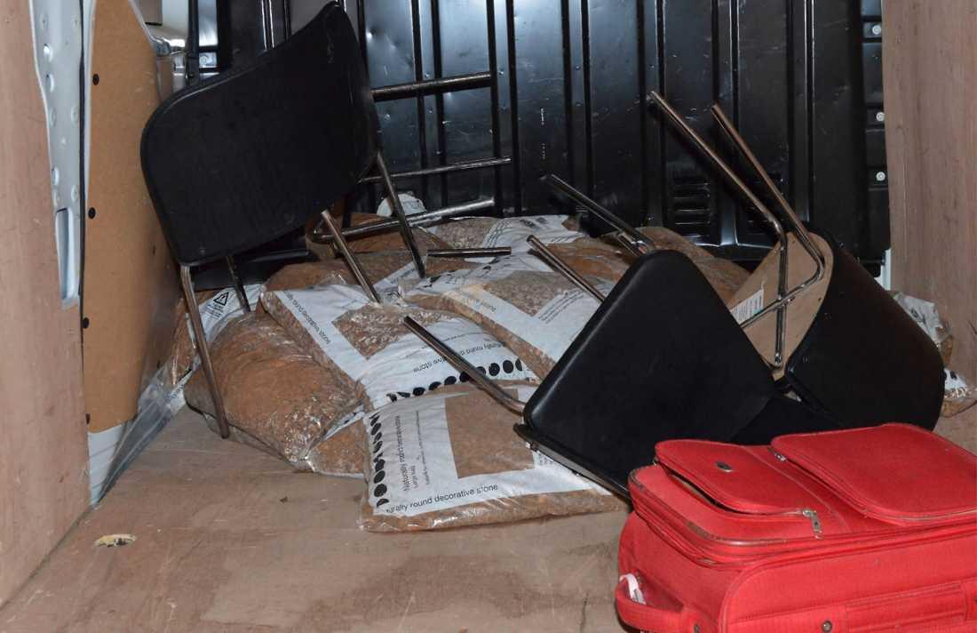 Skåpbilen som användes vid terrorattacken på ett foto från brittisk polis.