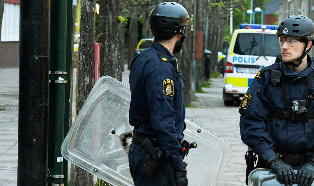 Poliser i Tensta.