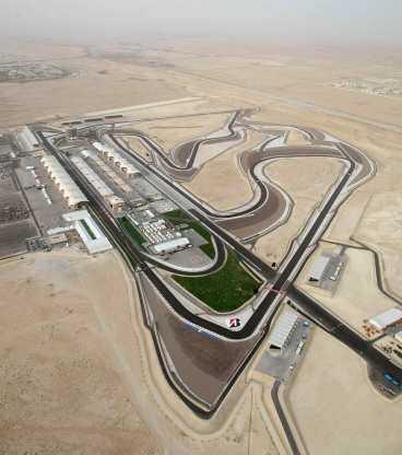 SAND, SAND, SAND Nya banan i bahrain ligger mitt ute i öknen.