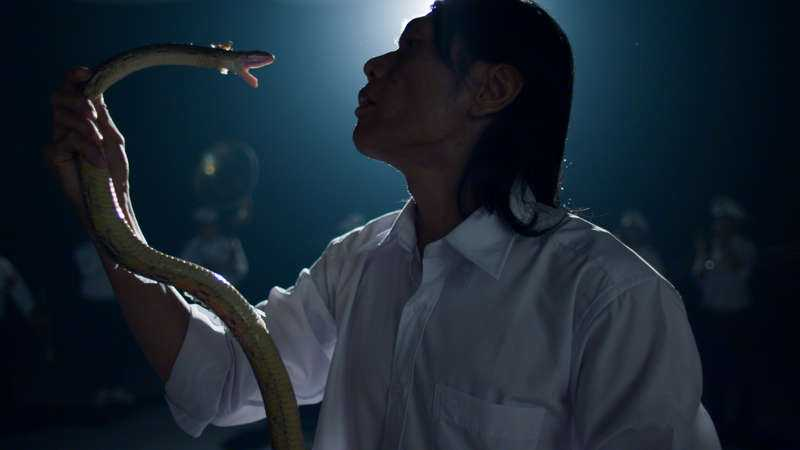 """Stillbild från """"The living need light, the dead need music"""" (2014) av The propeller group. Foto: The Propeller Group and James Cohan Gallery, New York /Shanghai"""