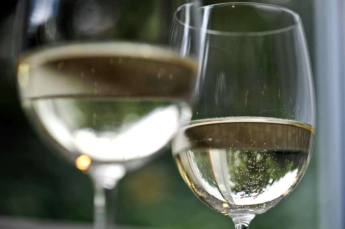 En man åtalas för att ha tagit emot ett mångmiljonbelopp från en större grupp personer i en stor vinbluff. Arkivbild.