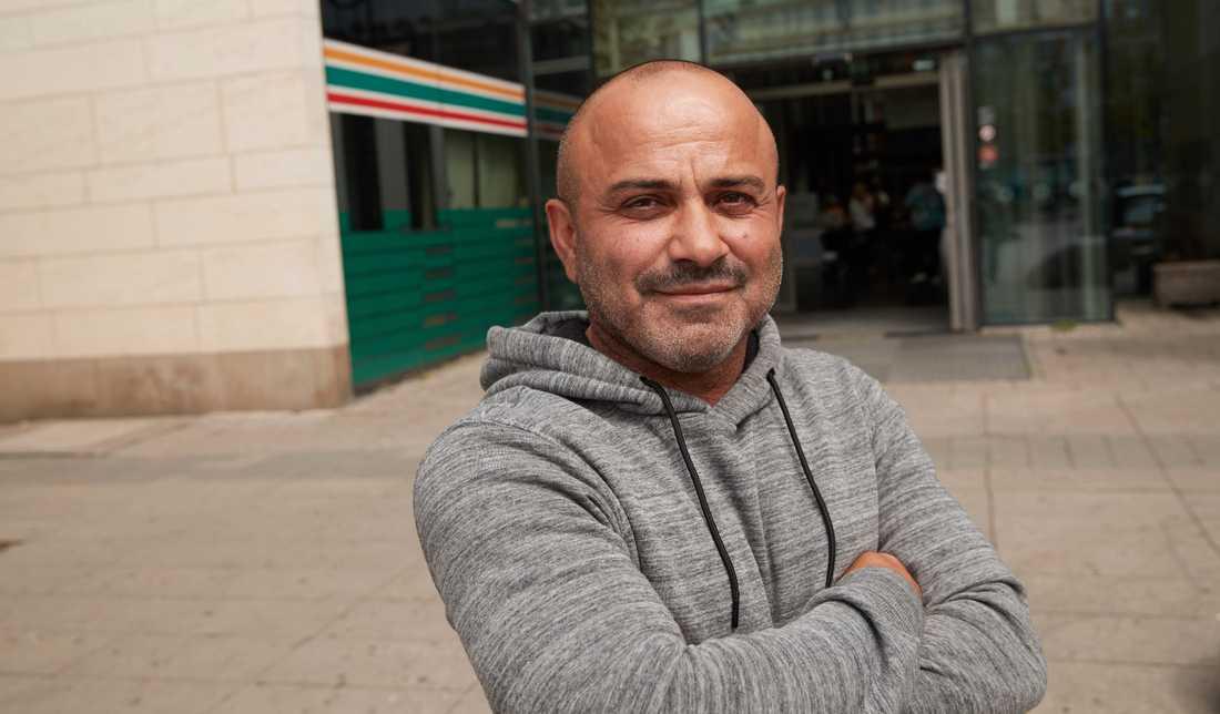 Ali Yekta, taxichaufför.