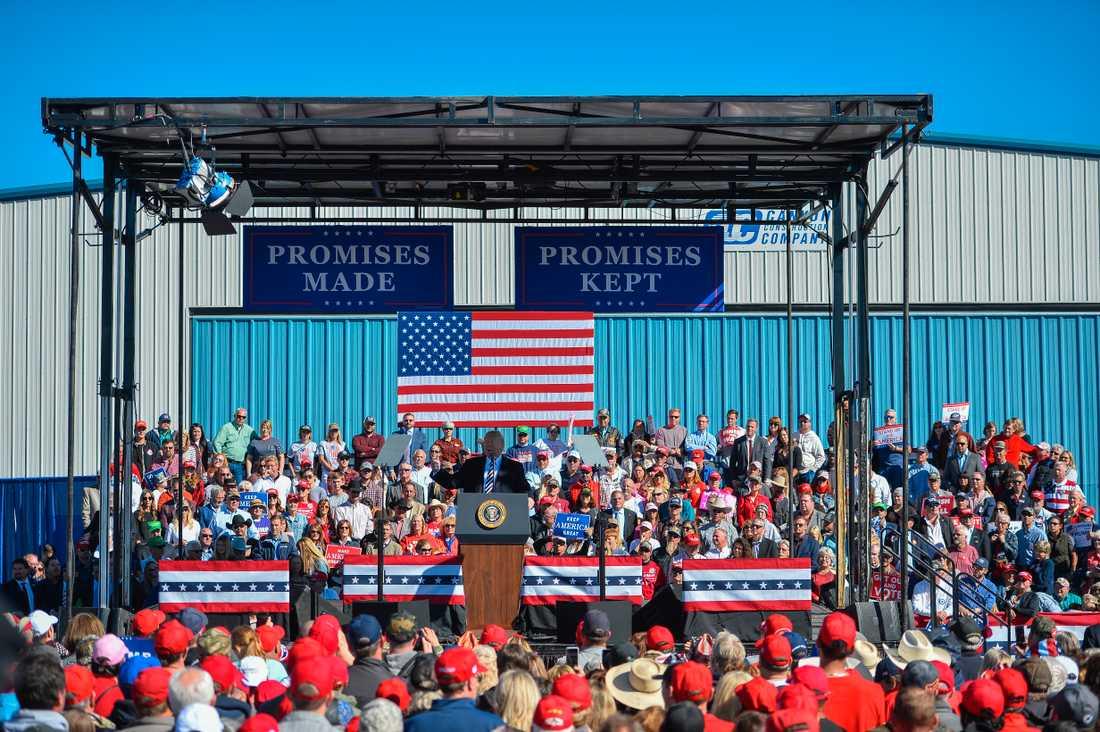 USA:s president Donald Trump vid ett politiskt massmöte i Nevada.