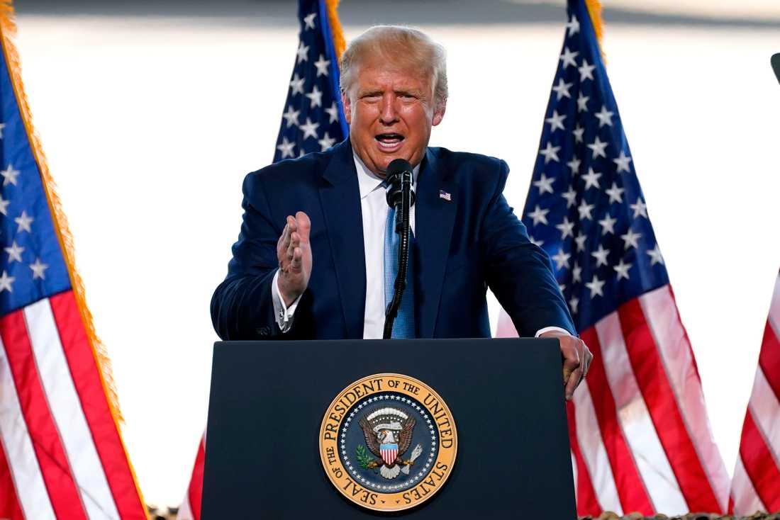 Trump talar om ett riggat val redan innan det är avgjort.