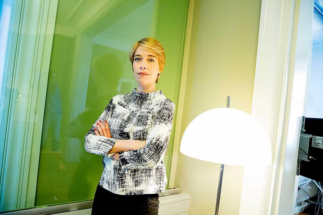 """""""De pensioner vi har, där varje intjänad krona räknas, slår hårt mot kvinnor"""", säger Annika Strandhäll, socialförsäkringsminister."""