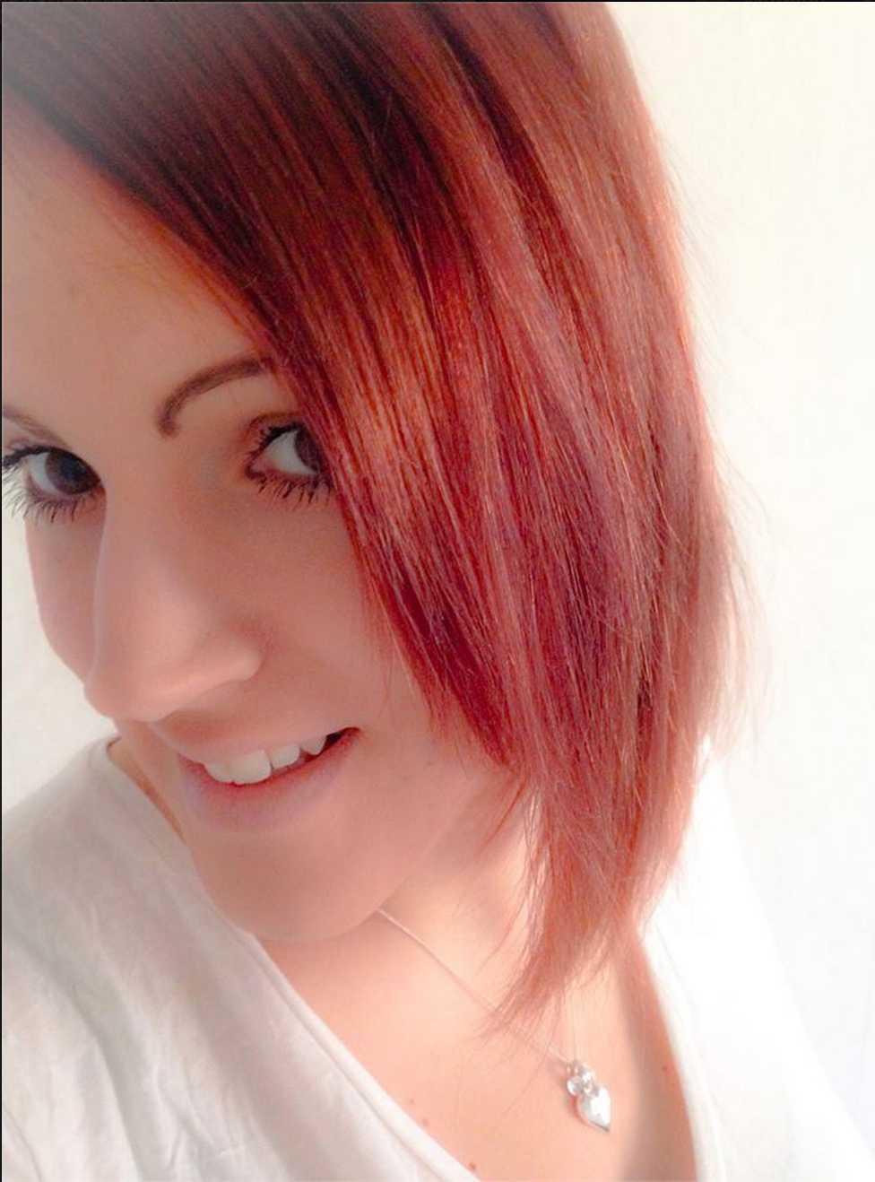 Jag swishade pengar till henne men har inte fått några kläder, säger Emma Persson, 26.
